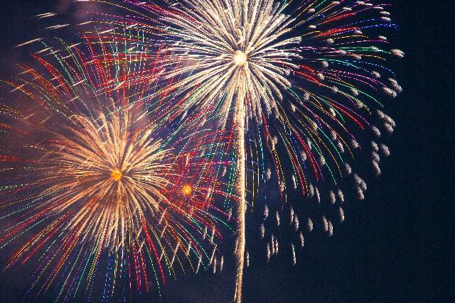 夜空に輝く大輪の花♪日本の夏の風物詩花火! 2017年版