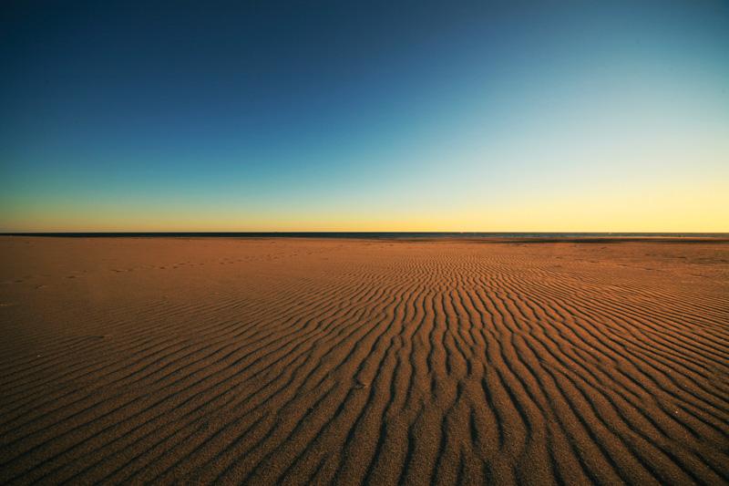 映画のロケ地にも使われる「中田島砂丘」の絶景フォト。