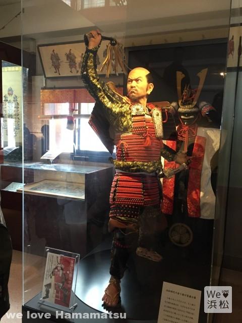浜松城天守閣:若き日の家康公像