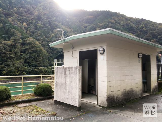 水窪ダムのトイレ