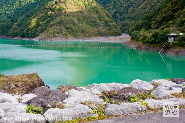 水窪ダム湖が美しい