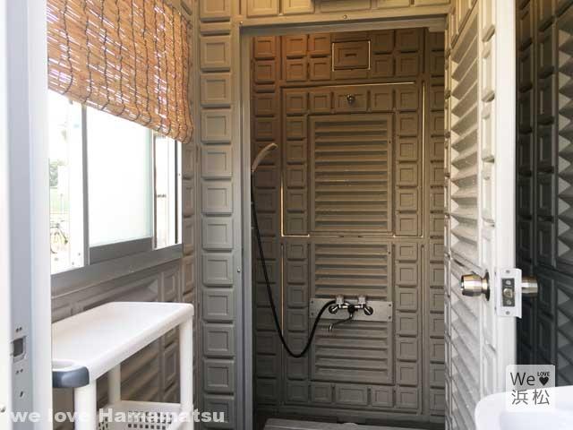 グローカフェのシャワー兼更衣室