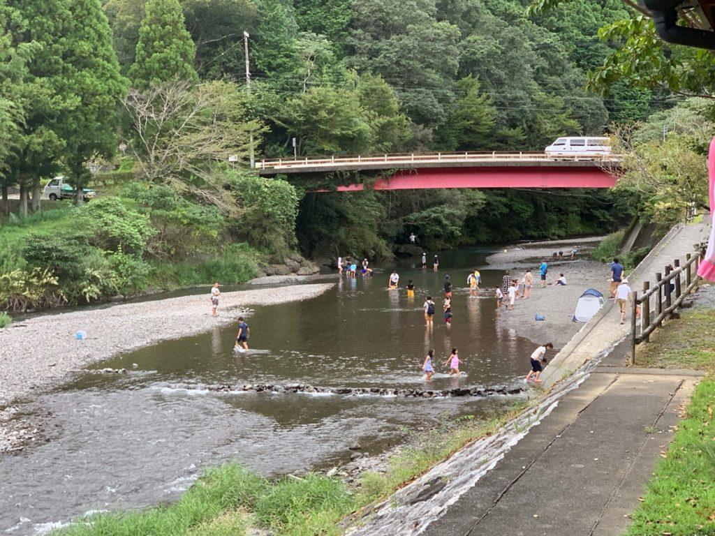 はるの川音の郷:川遊び