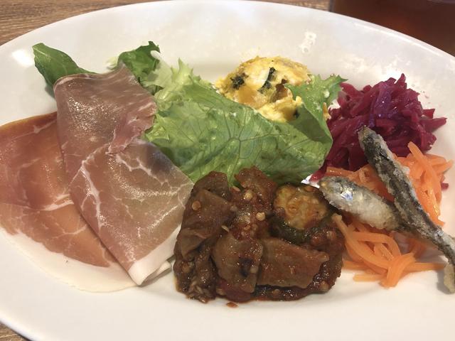 ザザシティ西館:イタリアンキッチン バンサン