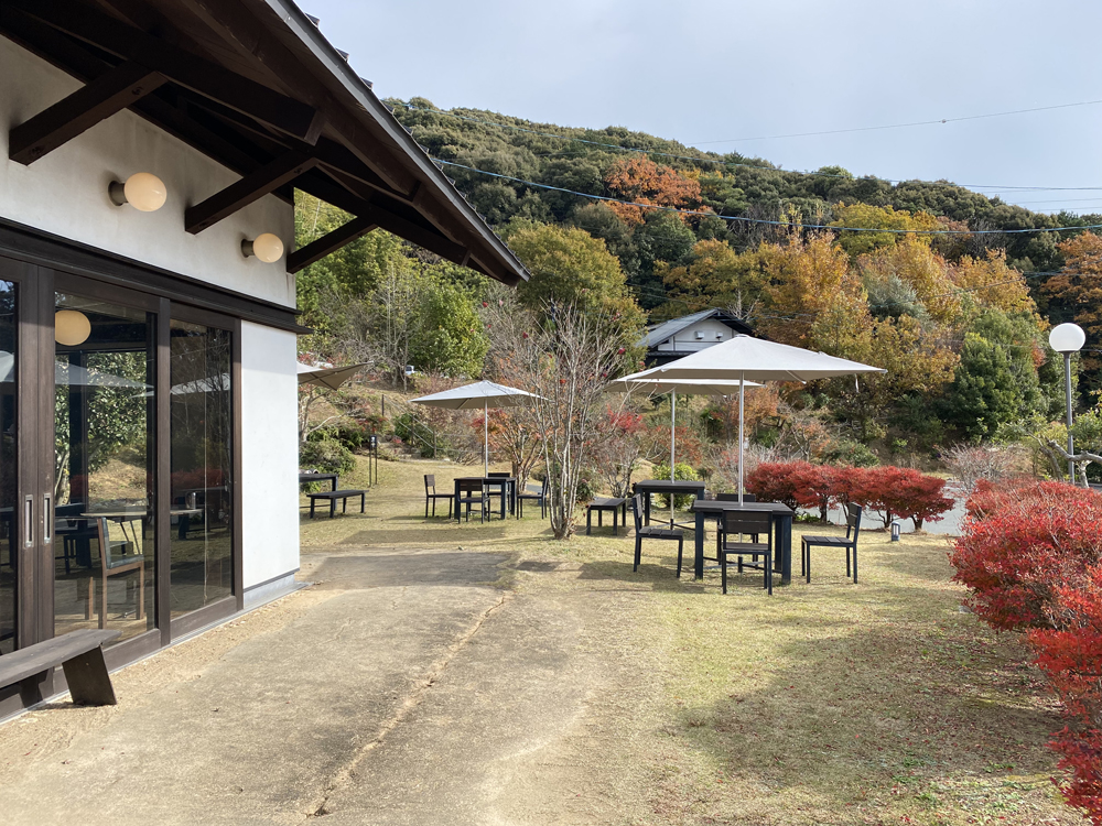 浜松市北区三ケ日:蔵茶房なつめ庭テラス