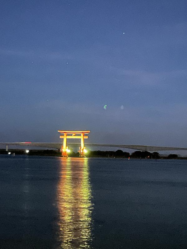 弁天島鳥居のライトアップ